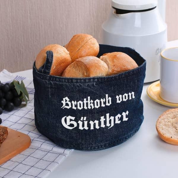 Brotkorb mit Wunschnamen in altdeutscher Schrift