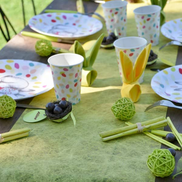 Tischläufer aus Vlies in hellgrün 500 cm x 30 cm