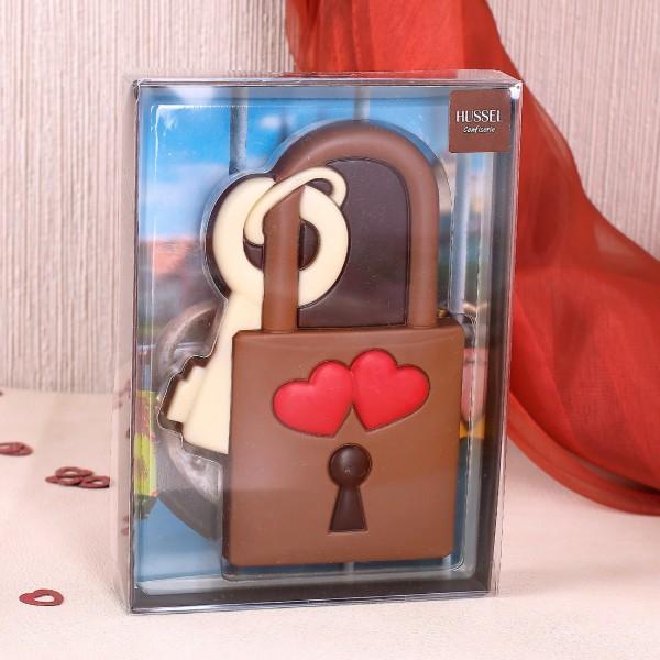 Liebesschloss aus Schokolade von Hussel