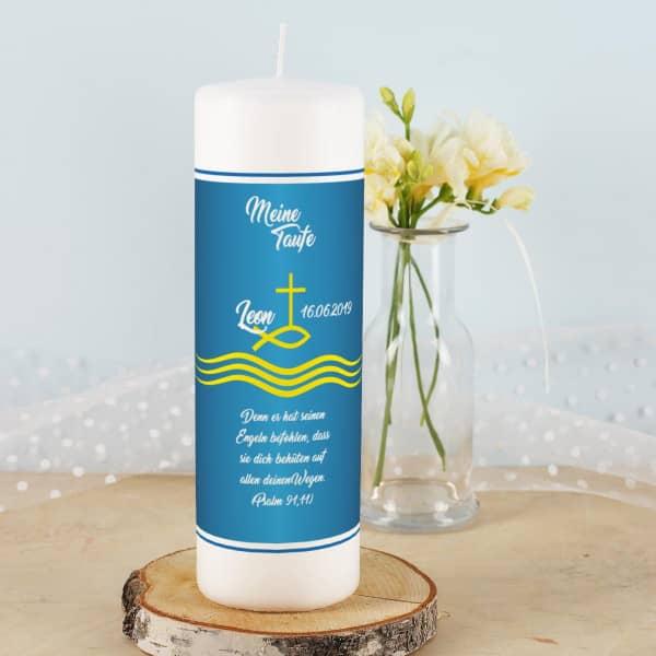 Taufkerze blau für Jungen mit Fisch, Kreuz und Wellen und Wunschbeschriftung