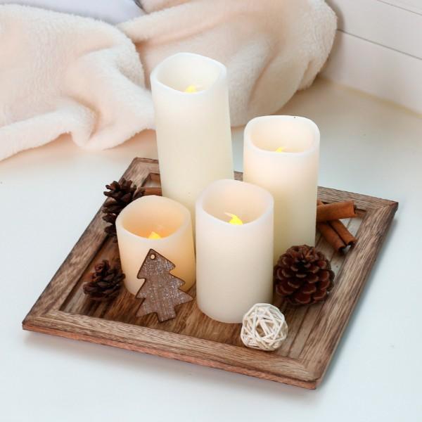 Holzteller mit 4 cremefarbenen LED-Kerzen