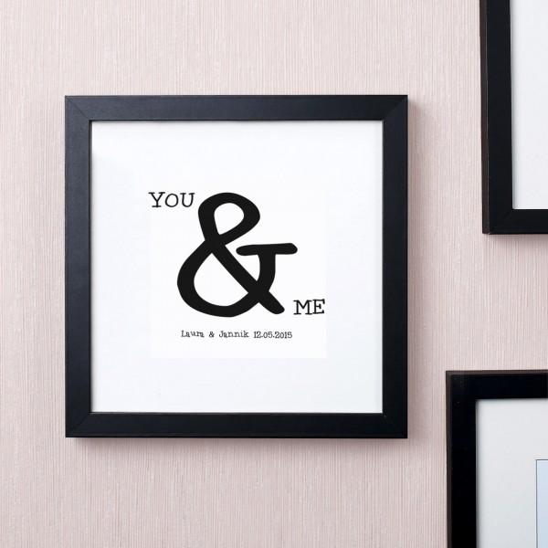 Quadratischer Bilderrahmen You & Me mit Wunschtext