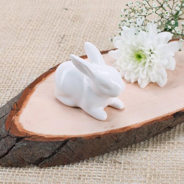 Kleiner Keramik-Hase in weiß