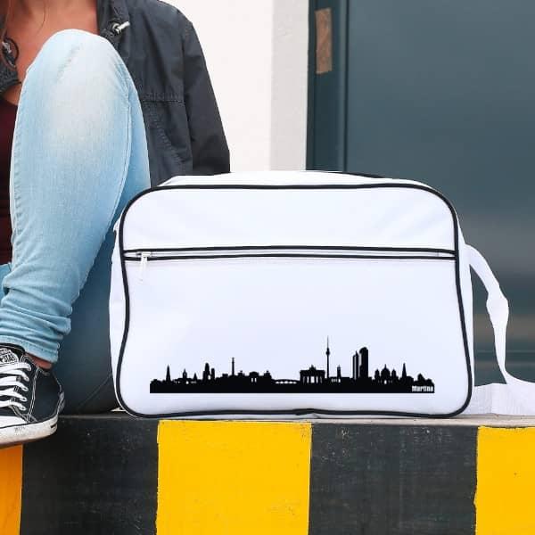 Tasche im Retro Look mit berliner Skyline und Ihrem Namen