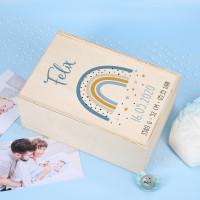 Erinnerungsbox zur Geburt mit Regenbogen für Jungen