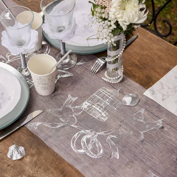 Tischläufer mit Taubenmotiv