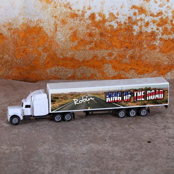 Truck mit Aufdruck