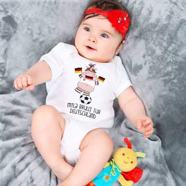 Babybody zur Fußball WM mit Knuddelhorn und Wunschtext