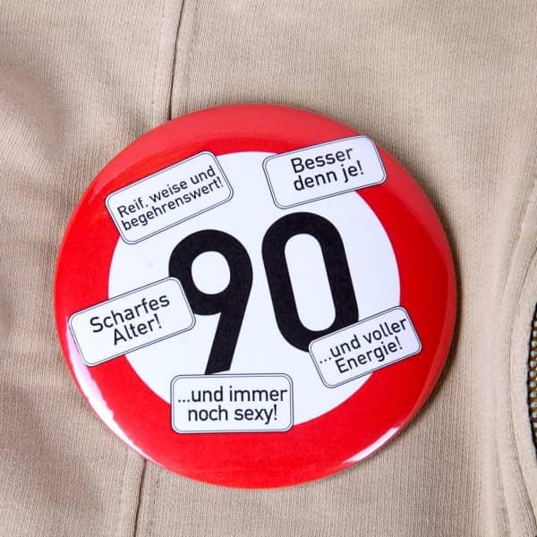 Riesen-Button Verkehrsschild 90