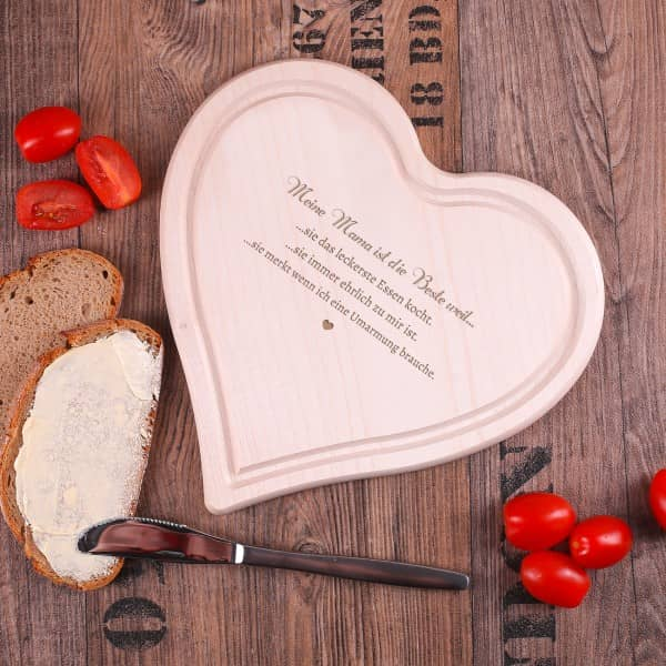 Mittleres Holzbrett Herz Mama Mutter mit Wunschtext