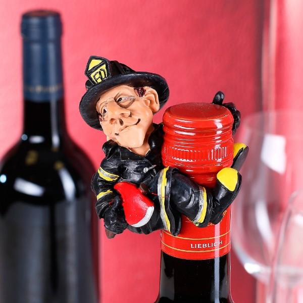 Flaschenausatz Feuerwehrmann mit Axt